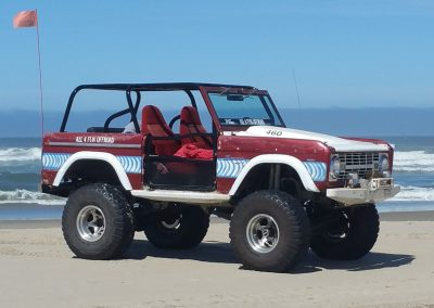 BroncoBob Early Ford Bronco at the beach